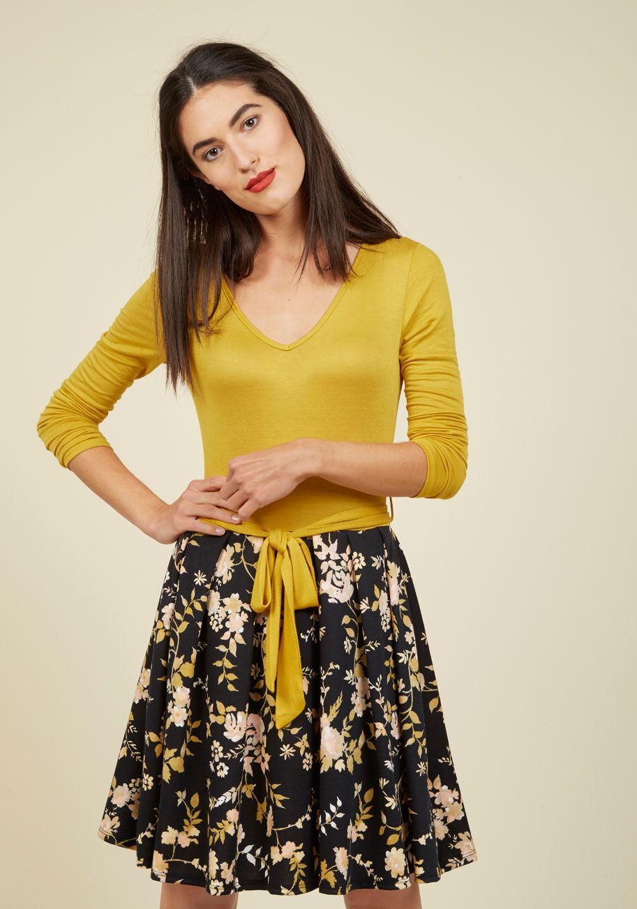 Lush with beauty dress in garden equation sleeve and black skirts