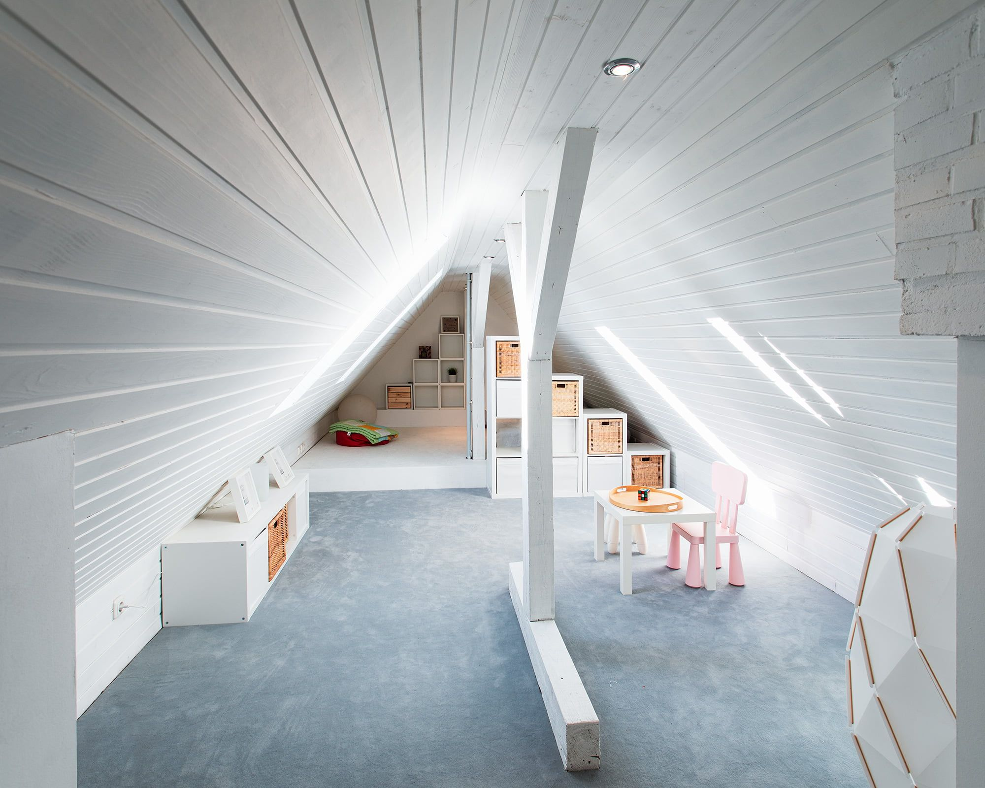 Umbau Dachgeschoss Spitzbodenausbau Robin Klein In 2020 Dachgeschoss Dachboden Renovierung Dach