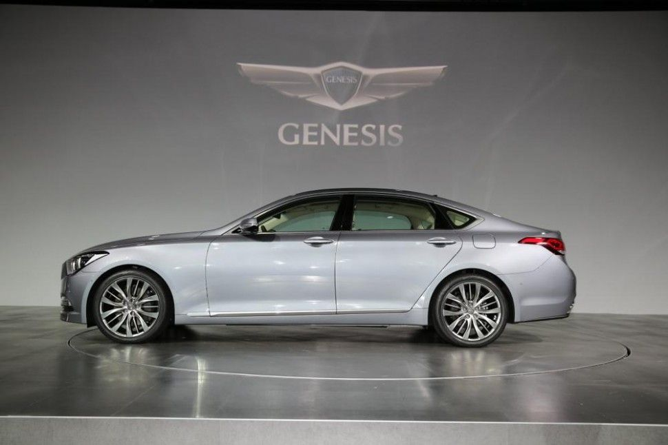2015 hyundai genesis unveiled in korea samochody i