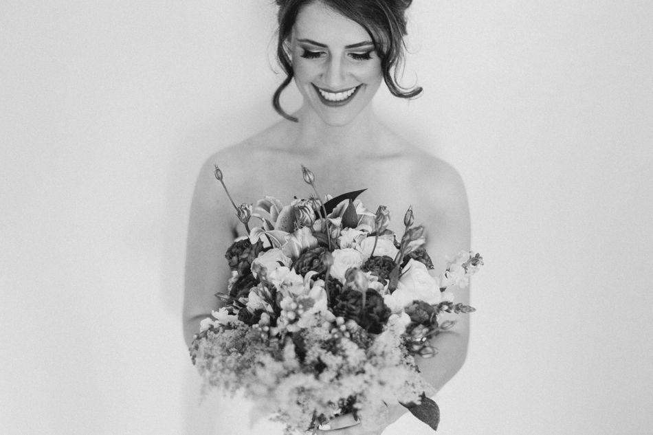 casamento-colonia-witmarsum-brazil-Ricardo-Franzen-Fotografo-Love-freedom-madness-wedding-casar-de-dia-casorio-fazenda-faca-voce-mesmo-diy-casar-na-chuva-Mayra-Abraao (30).jpg