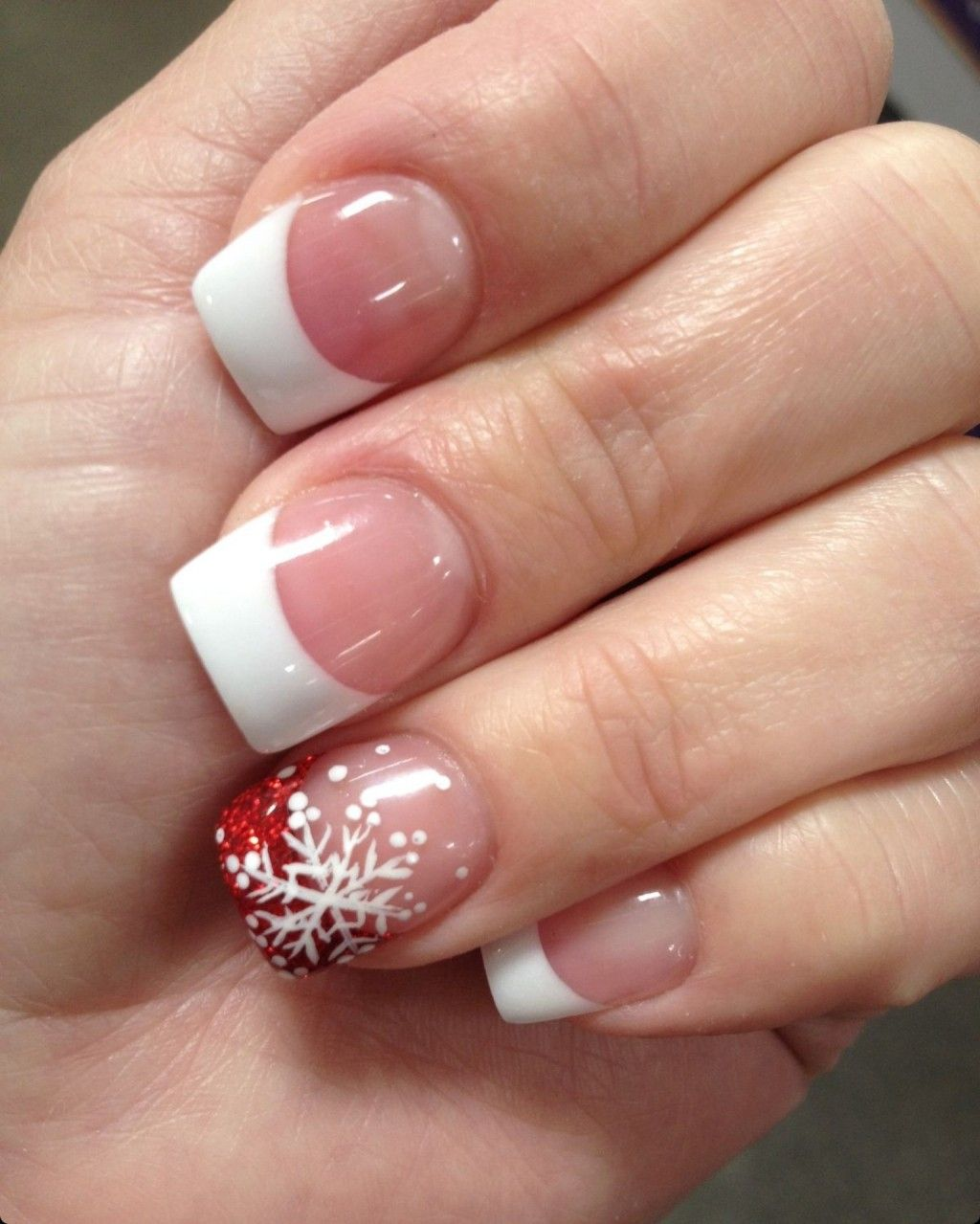 20 awesome holiday nail designs for short nails makeup 20 awesome holiday nail designs for short nails prinsesfo Image collections