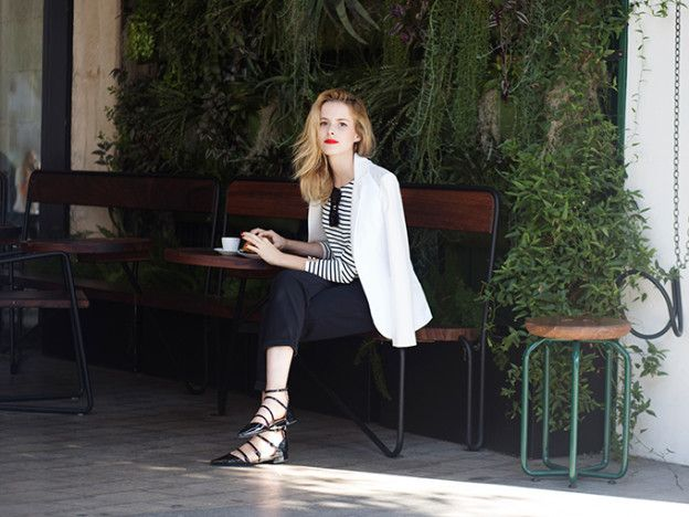 Finding comfortable yet professional clothes to wear to work is a challenge—and not the way we want you to be spending your free time! EnterAELLA,an LA based e-commerce brand founded by Eunice Cho. They'reon a mission to create comfortable yet polishedessentials for the 24/7 woman. Their pant...