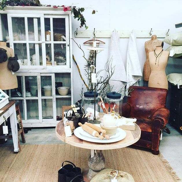 Strange Vintage Furniture And Homewares Castlemaine Vintage Bazaar Download Free Architecture Designs Rallybritishbridgeorg