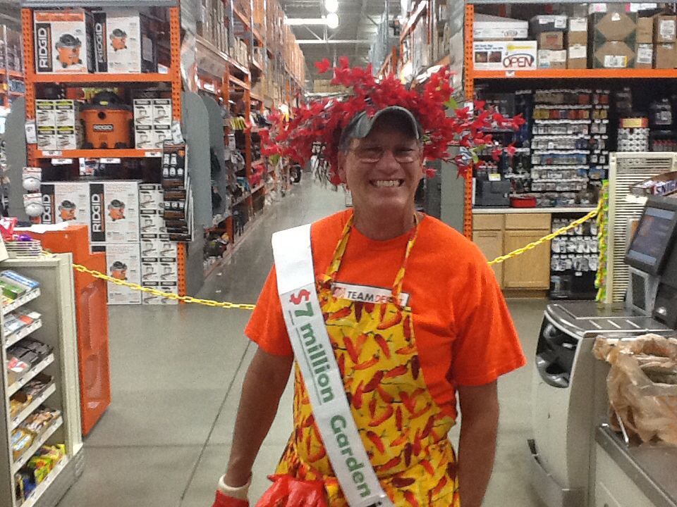 2012 success sharing party apron contest winner he didnt
