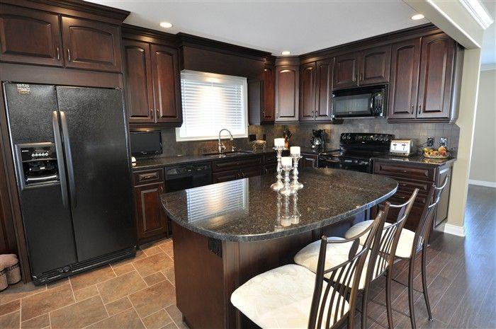 Living Kitchens Ltd - Kitchen Cabinets, Kitchen Counter Tops ...