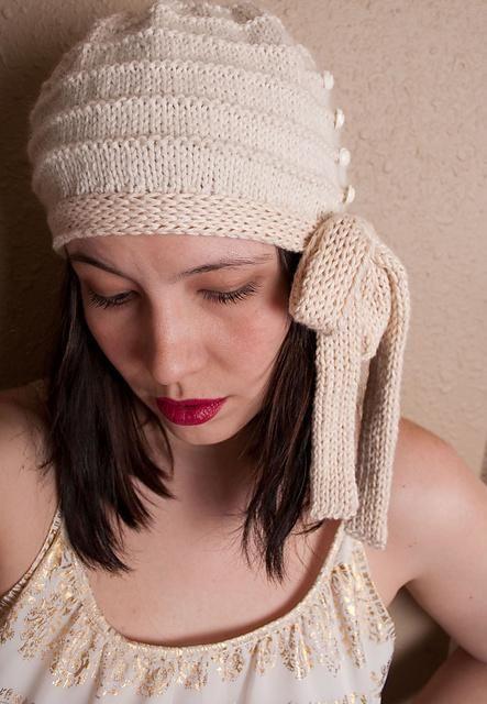 Millie Side Tie Cloche | Mütze stricken, Hütten und Stricken und häkeln