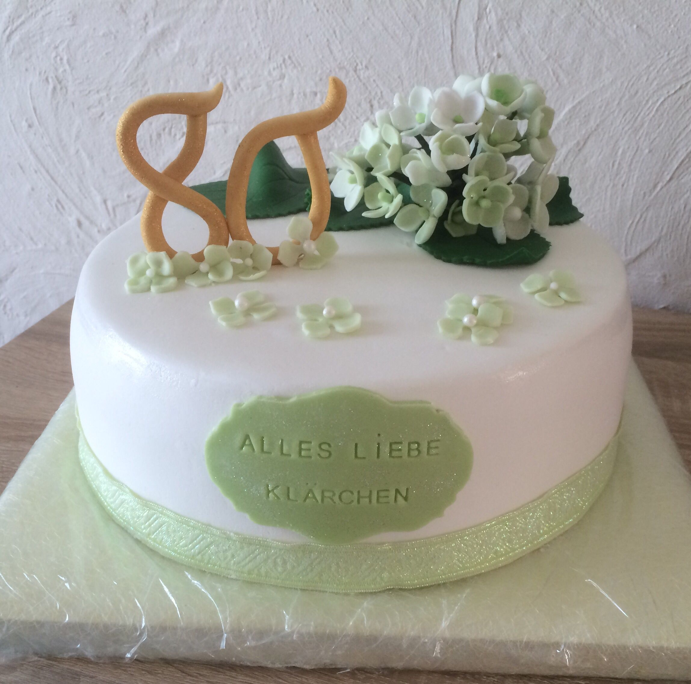Fondant Torte Motivtorte Hortensien Grun Blumen 80 Geburtstag Cake Hortensia Hydrogena Birthday Geburtstag Torte Fondant Torten Motivtorte