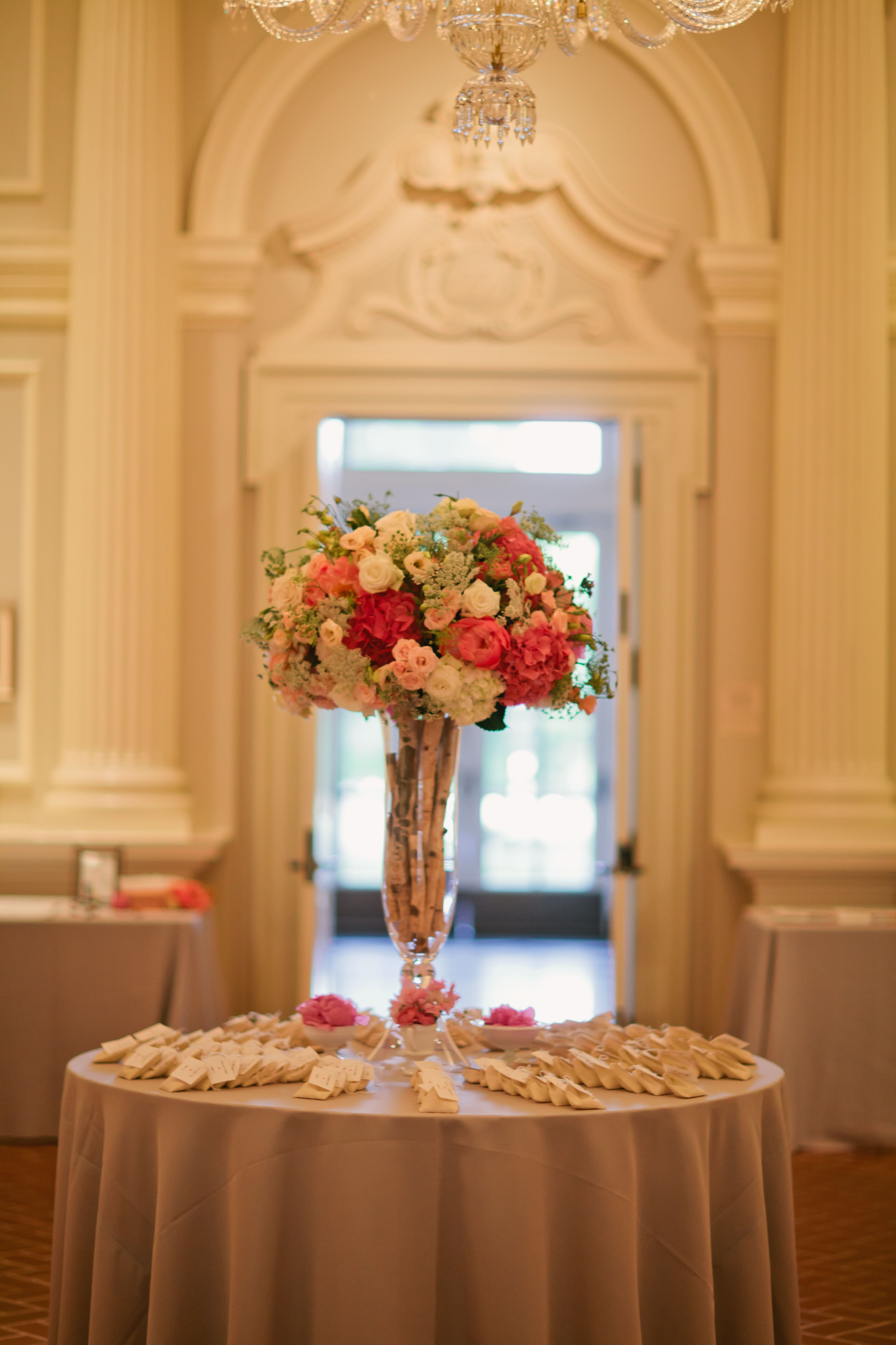 placecard table flowers by Vale of Enna Photo Courtesy
