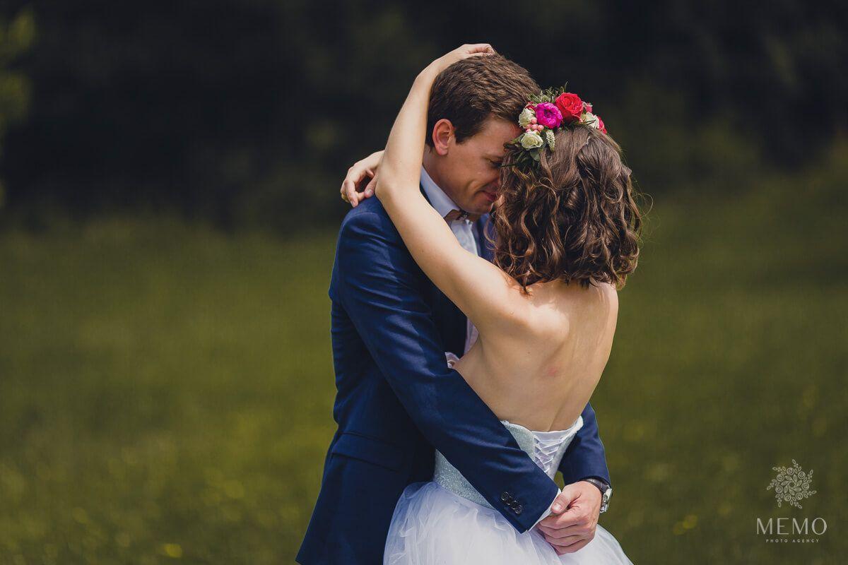 Lenka a Lukáš - Svadba v Martine, hotel Viktoria. Obrad sa konal v skanzene - Muzeum Slovenskej dediny. MEMO photo agency www.memo.sk #svadba #portrety #emocie #martin #slovensko #hotelviktoria #wedding #portrait  #weddingphotography #groom #bride #gettingmarried #slovakia  #photography #weddingportrait #emotional #smile #happiness #hug