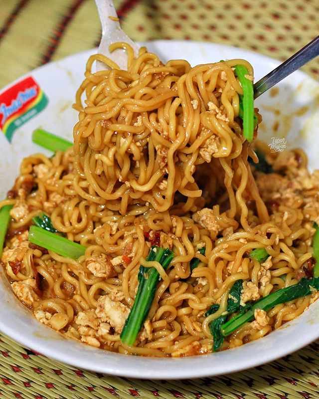 Insta Noodles Pasta On Instagram Indomie Is One Of Our Favourite Instant Noodles Because Of All The Sauces And Packets Th Desain Logo Restoran Mie Restoran