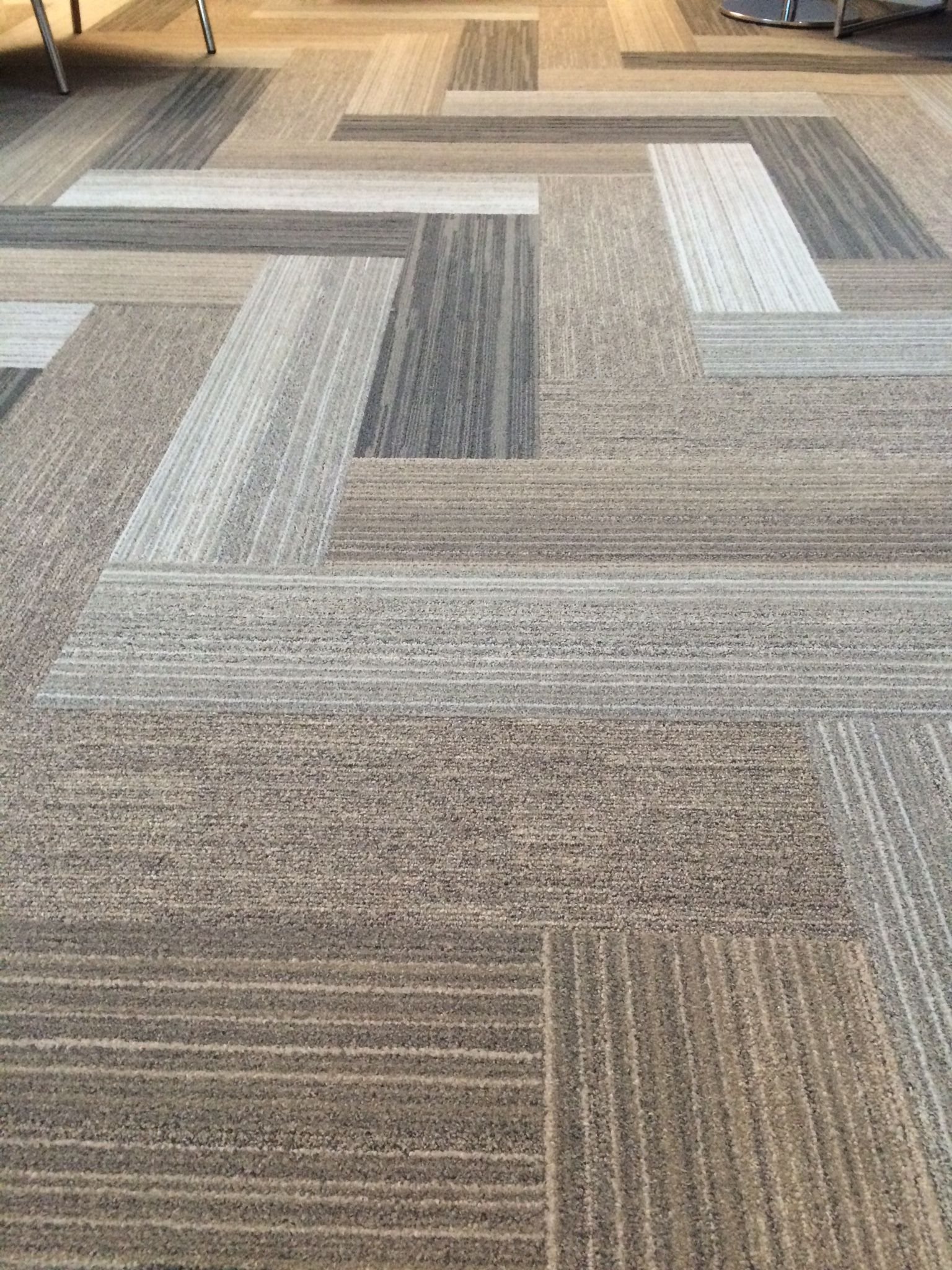Near & Far carpet tile planks by Interface. Installation