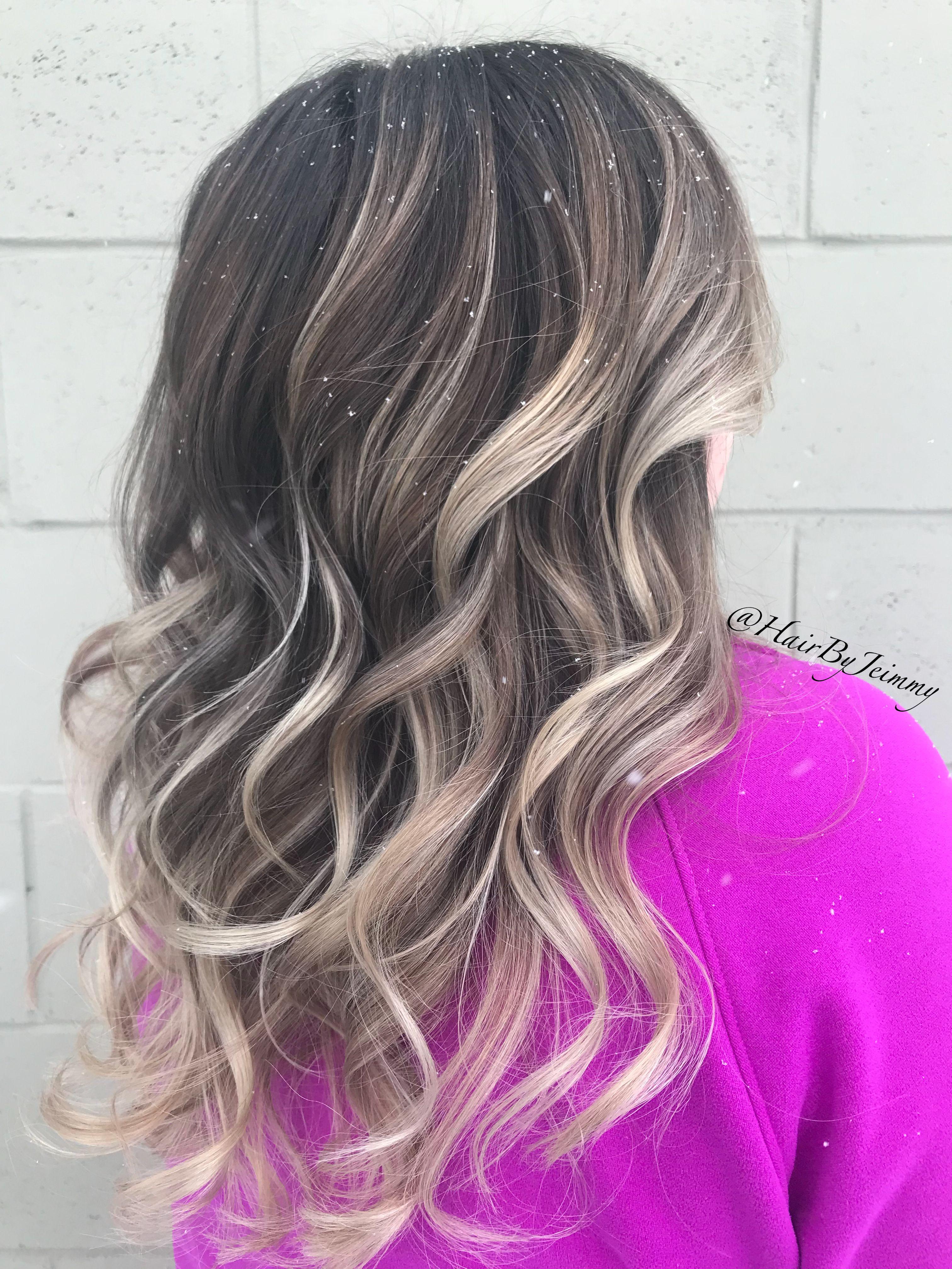 Blonde with a dark root balayage blondebalayage