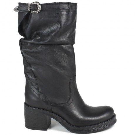 Pin di Angie Jackson su Shoes   Stivali, Stivali con tacco e