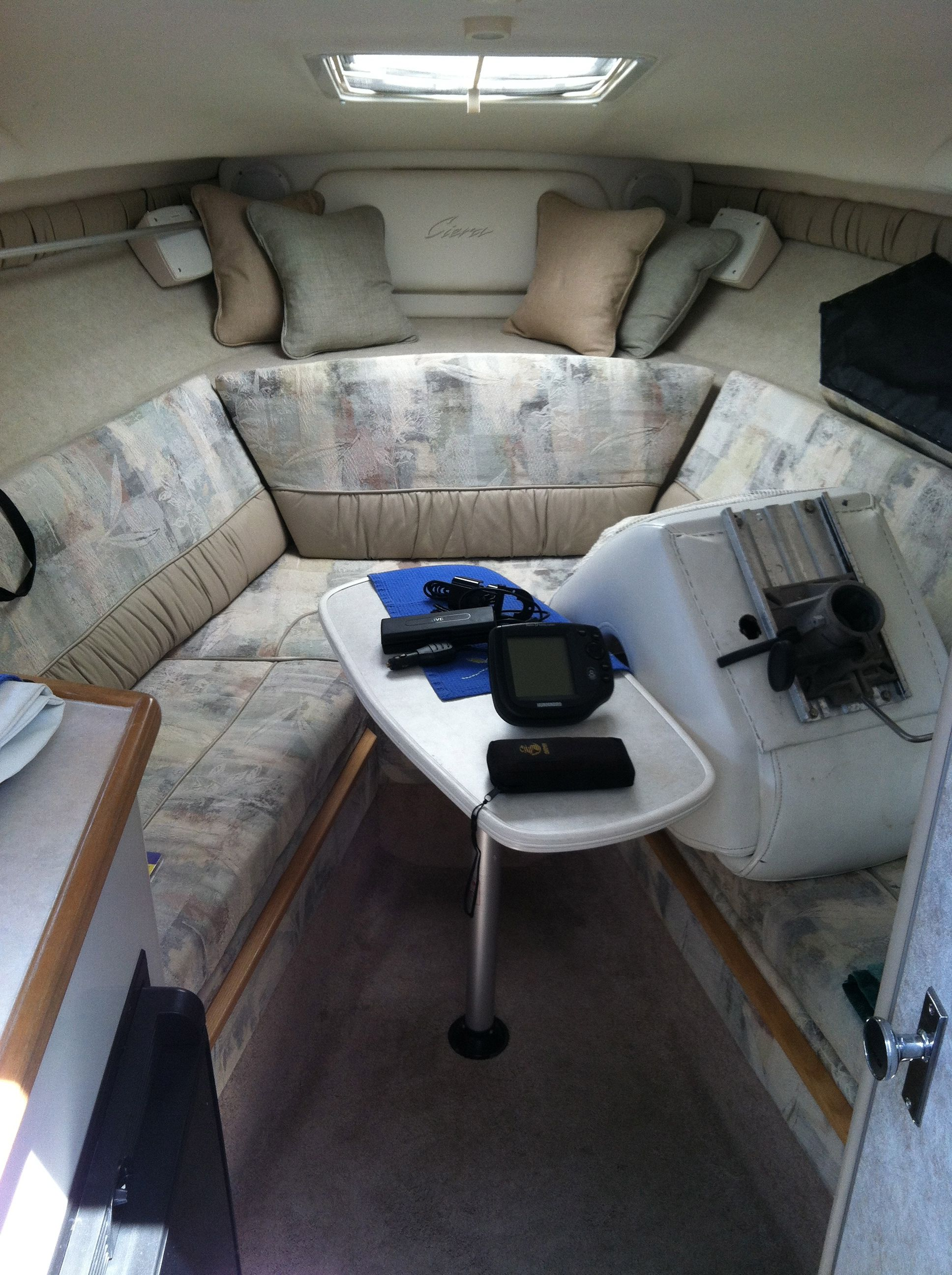 Bayliner ciera interior bayliner boats motor boats living on a boat carver boats