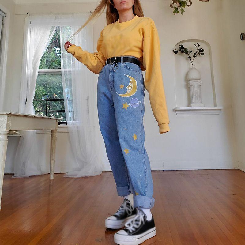 80s Aesthetic Outfits In 2020 Sweatshirt Fashion Womens Sweatshirts Fashion Retro Outfits