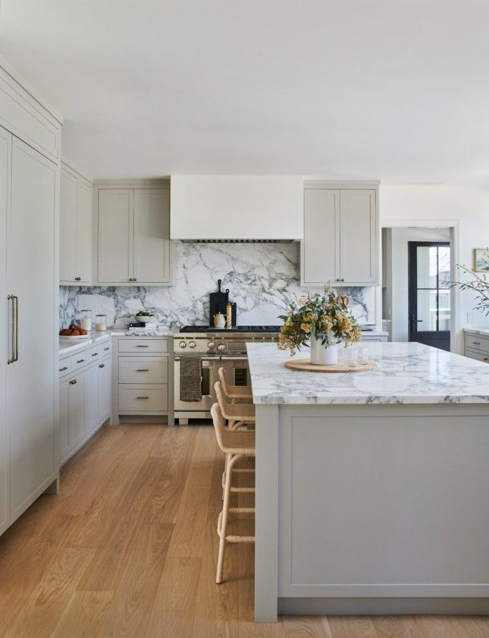 Best Designer Amber Lewis Swears By These 5 Kitchen Renovating 400 x 300