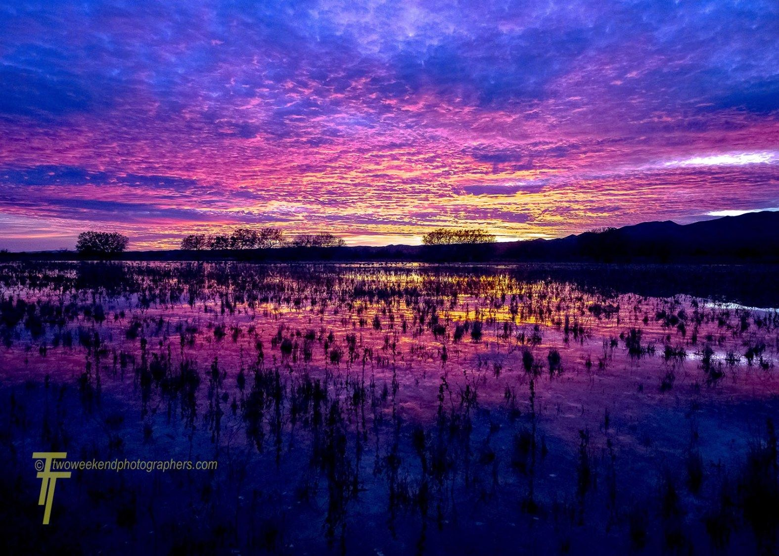 Beautiful Sunrise With Amazing Color Two Weekend Photographers Beautiful Sunrise Sunrise Landscape Photography