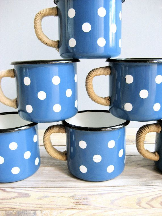 vintage polka dot enamel mugs tea coffee cups pinterest punkt sch nes leben und blau. Black Bedroom Furniture Sets. Home Design Ideas