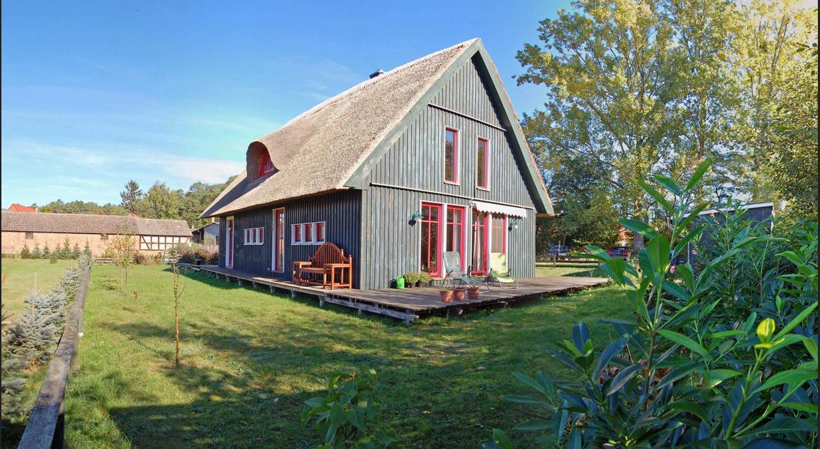 Haus kaufen dänemark einem starken Holzhaus mit geräumigen