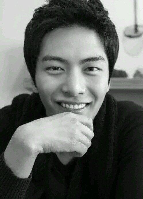 Pin On Lee Minki Oppa Nampyeon