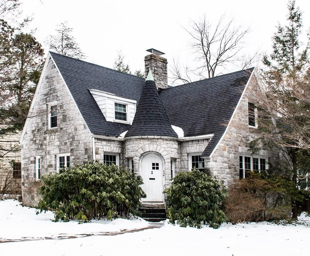 Hey Pennsylvania You Re Super Cute We Spent The Last Couple Days In State College Pa Visiting Penn House Exterior Cottage Style Homes Cabins And Cottages