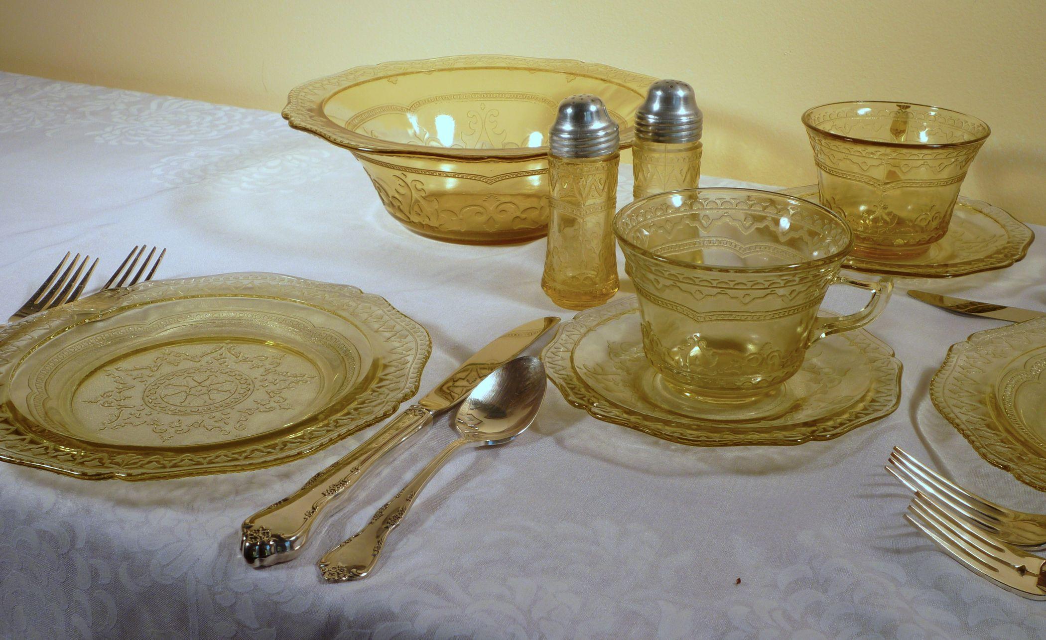 Patrician Spoke Amber Depression Glass Dinnerware. Isn\u0027t this set pretty? It\u0027s Patrician & Patrician Spoke Amber Depression Glass Dinnerware. Isn\u0027t this set ...