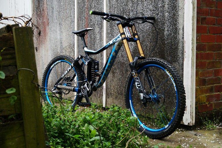 Giant glory 0 nickb01s bike check vital mtb bike