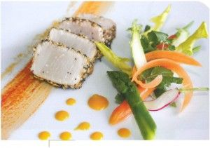 Espadon mariné en vinaigrette de soja, fraîcheur de légumes