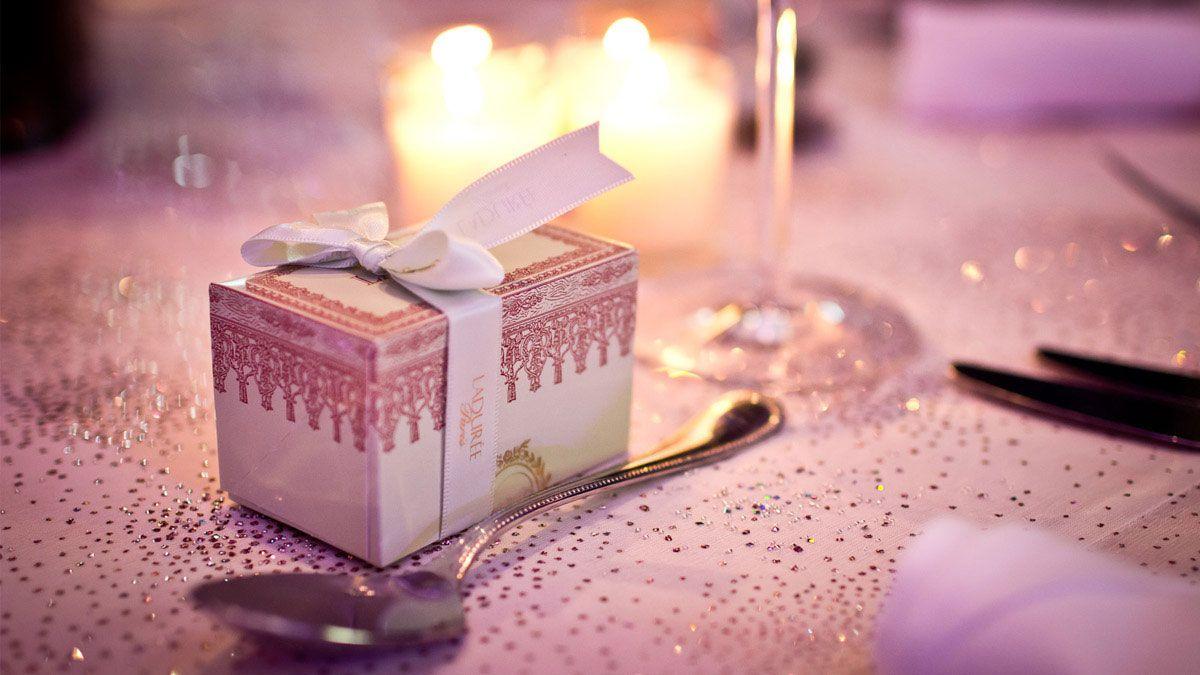 The perfect wedding favor? Laduree Paris macarons. | Favors ...