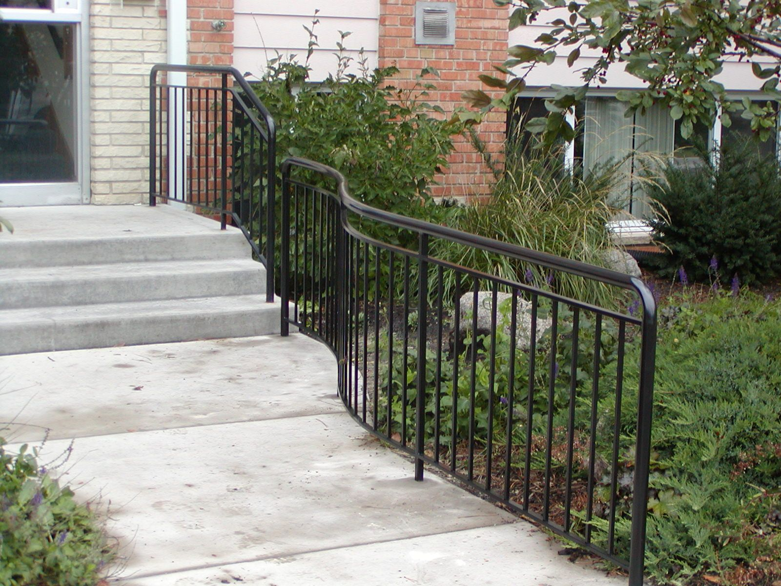 Custom Iron Sidewalk Railing With 1 1 2 Quot Round Top Rail