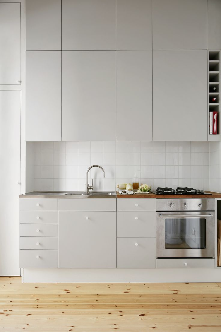Lots Of Kitchen Cabinetry Hidden Fridge Clean Lines Image