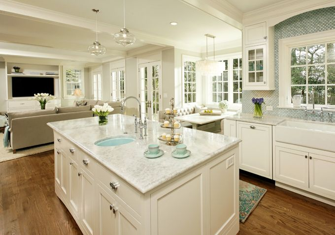 House of Turquoise - nice kitchen/great room space