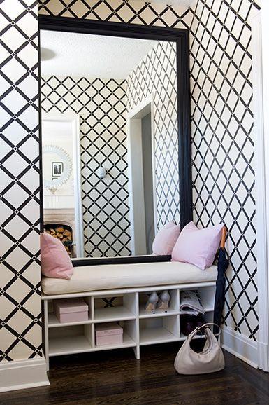 recibidor pared de papel pintado en blanco y negro geomtrico