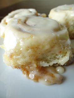 Lisa Leann's Cinnamon Rolls Brace yourself… I am about to introduce you to THE best Cinnamon Rolls. This is the kind that makes you leave behind your tried and true recipe that y…