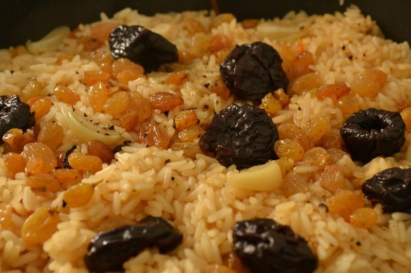 Рис с изюмом при похудении