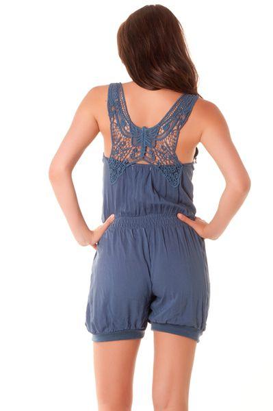 Combi-short très pas cher en bleu avec dentelle au dos. vêtement pas cher 124 Prix : 7.12 €
