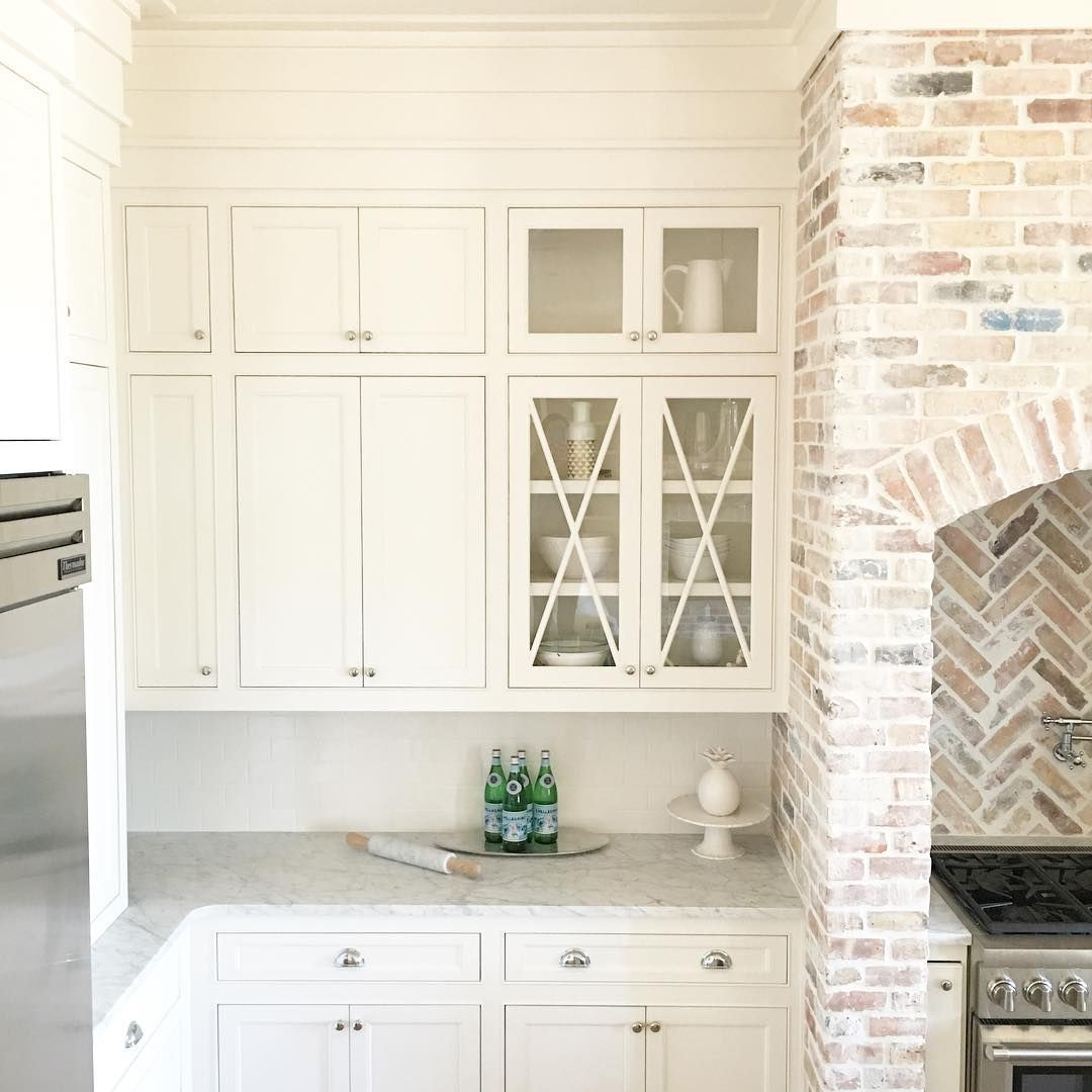Bm white dove on cabinets reclaimed chicago brick with heavy mortar