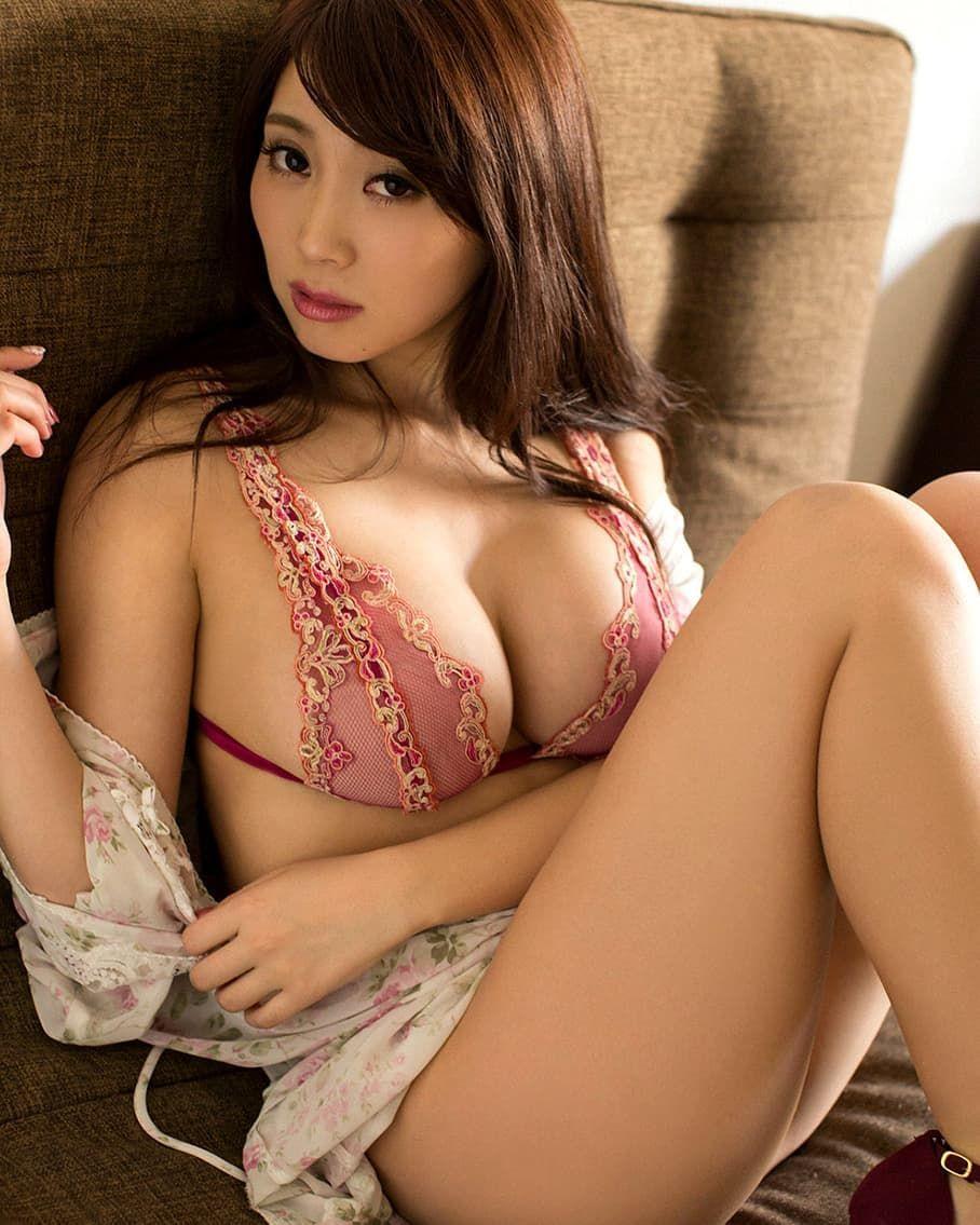 Hot Asian Girl Av Model Hitomi Tonaka Shows Her Bra Covered Big Boobs In Many Poses