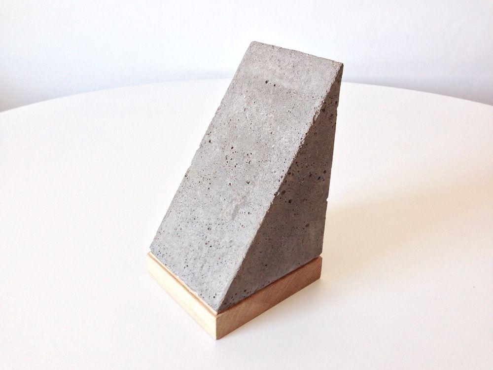 Concrete Bookends Nicoll Ferguson Concrete Diy Concrete Bookends