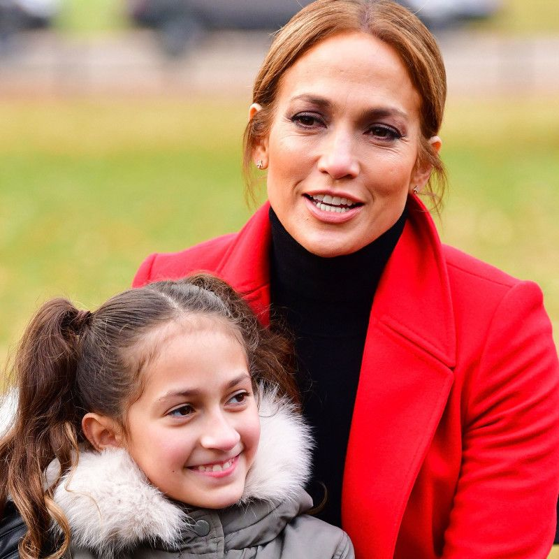 Jennifer Lopez Sings Duet With Daughter Emme Jennifer Lopez Hollywood Jennifer