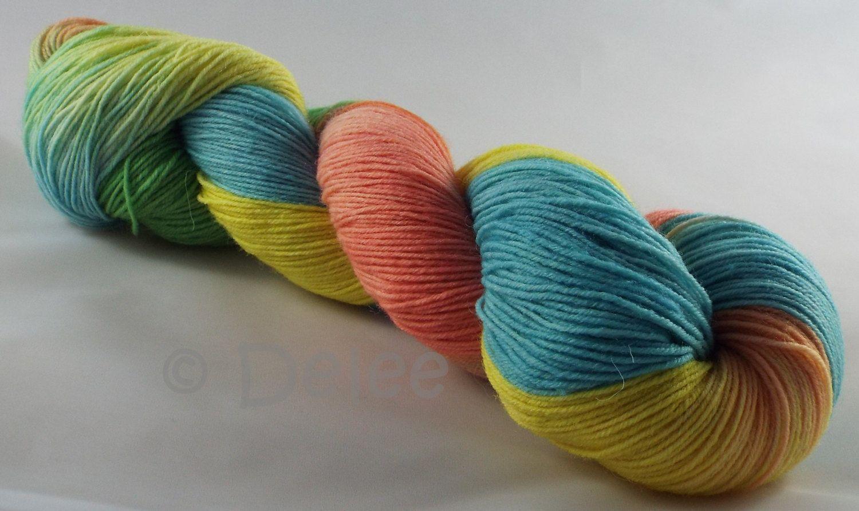 handgefärbte Sockenwolle von DeleesHandarbeiten auf Etsy
