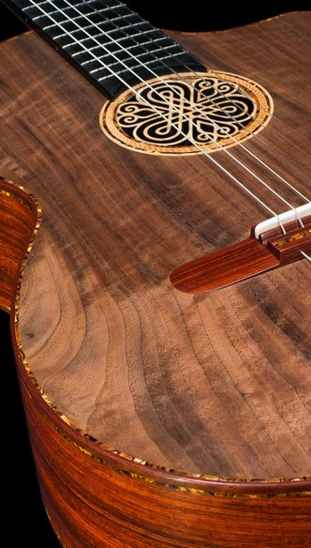 Cocobolo B&S, Curly Sinker Redwood top Concert Classical Guitar