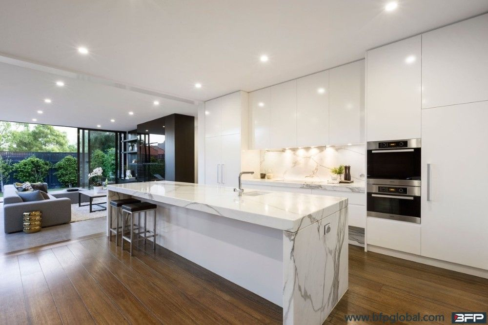 Best High End Modern White Lacquer Kitchen Cabinet With Luxury 640 x 480