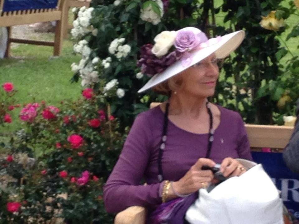 De Io Donna.  http://cincuentopia.com