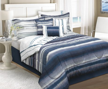 Safdie Co Home Deluxe Collection Navy 100 Polyester Comforter
