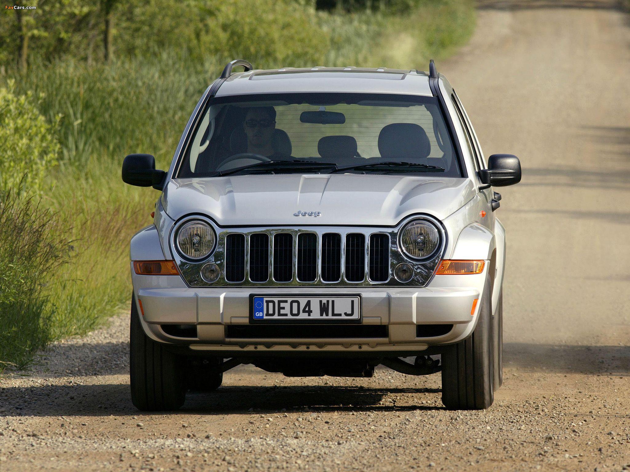 Jeep Cherokee Limited UKspec (KJ) 200507 pictures