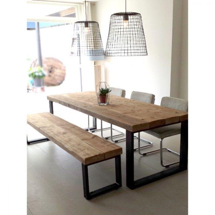 een stoere eettafel met bijpassend bankje timber gemaakt van oude houten balken met een. Black Bedroom Furniture Sets. Home Design Ideas