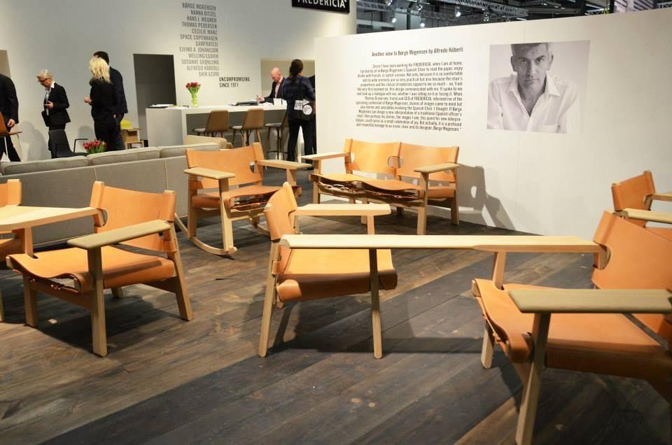 fredericka furniture sezione braccio | Architettura