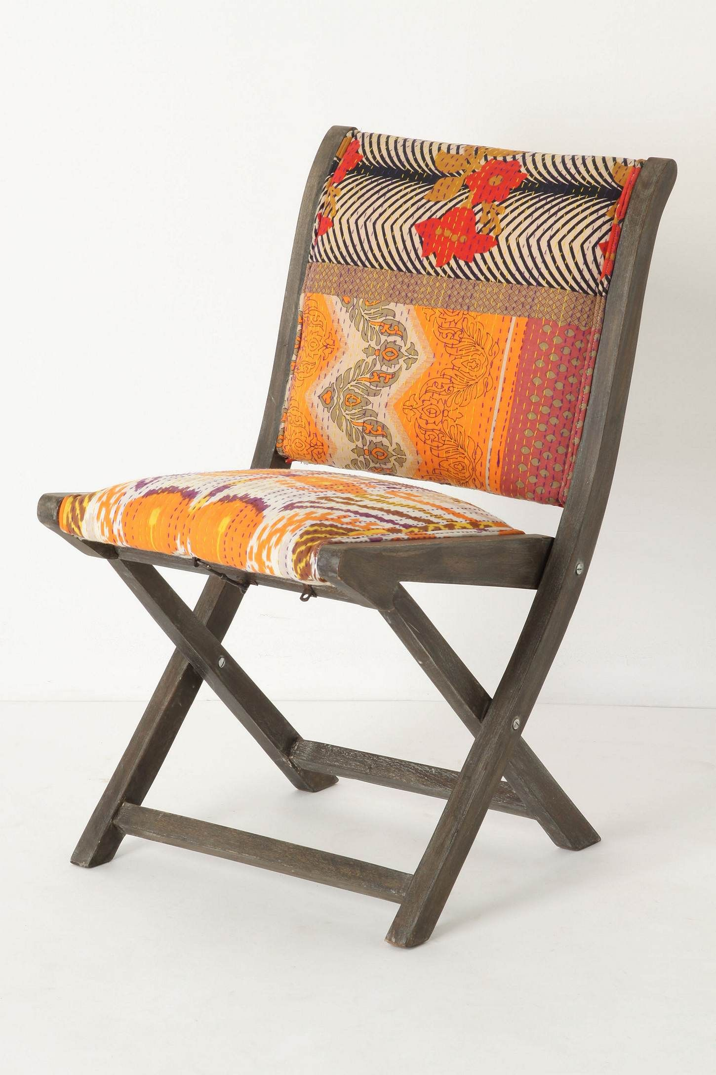 Nice Folding Chairs Anthropologie 39s New Folding Chairs Are Beautifully