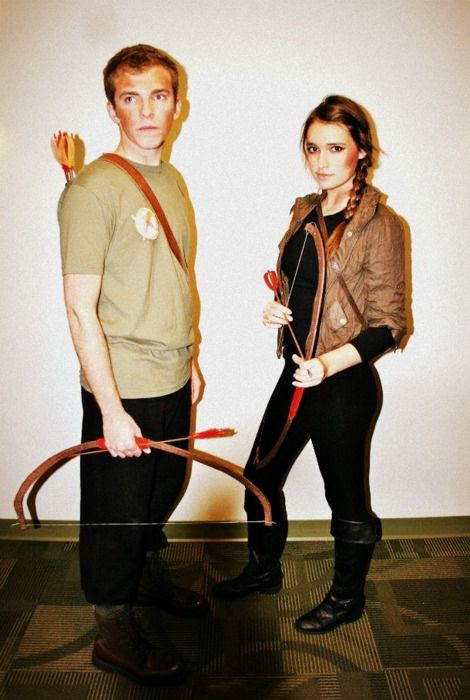 Best couple costume by far. Katniss and Peeta❤ | Party ...